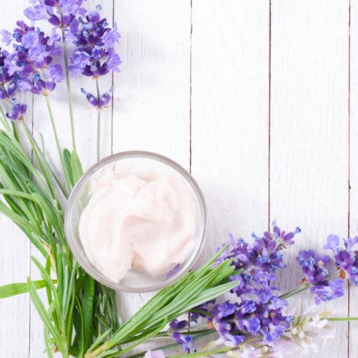 Elastische und schöne, straffe Haut - Pflegen Sie Ihr Haut mit dem Jojoba-Zimt Gel von Shape-Line.