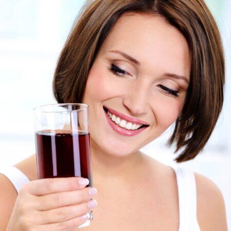 Ein Glas Super Fruits-Pulver ersetzt 5 Obstmahlzeiten.