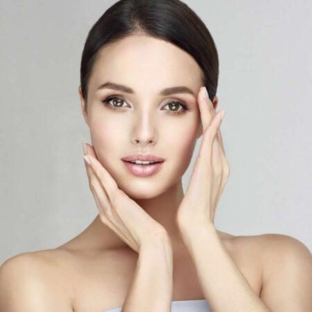 Gesichtspeeling: MIKRObrasion von Shape-Line für reine und schöne Gesichtshaut.